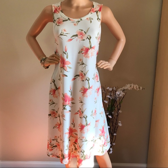 J for Justify Dresses & Skirts - Beautiful dress floral print really soft and cute!